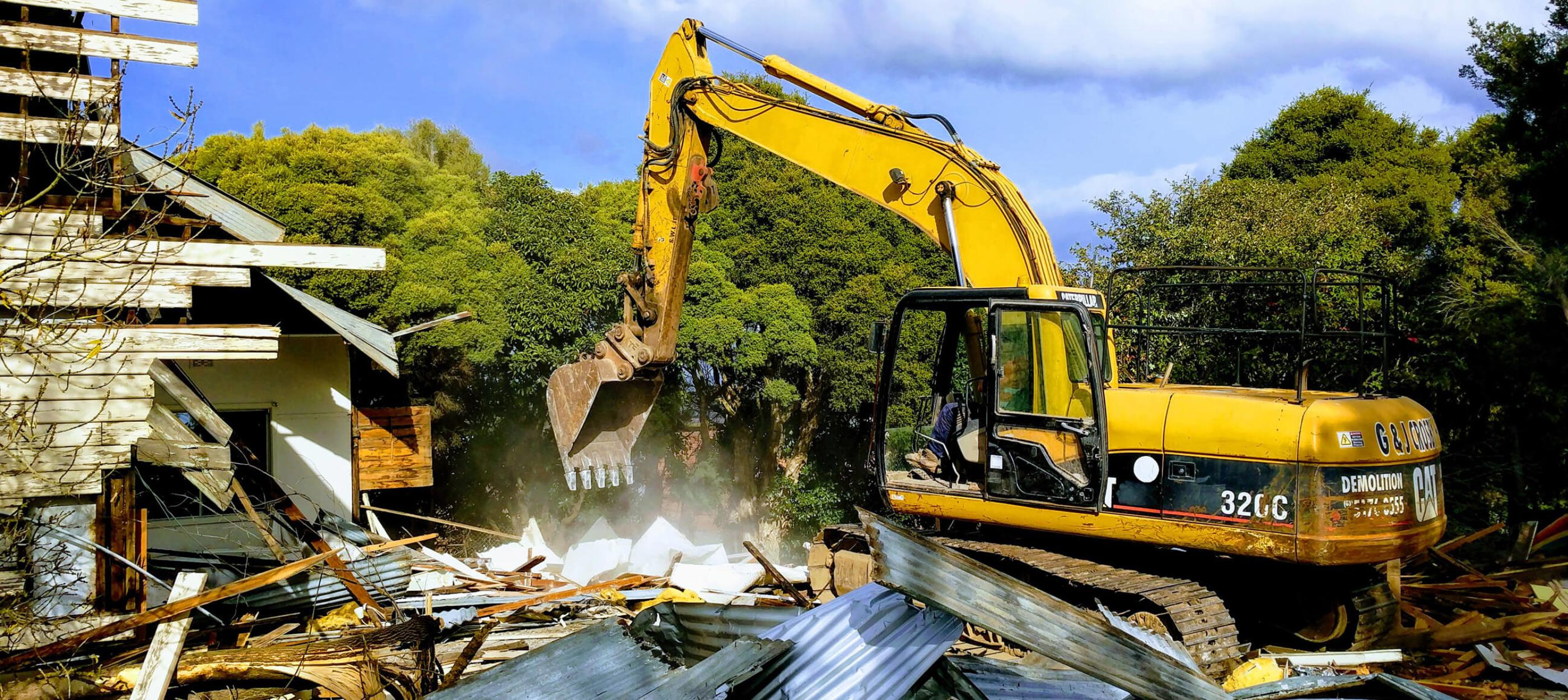 CrosbyContractors-home-slider-excavator